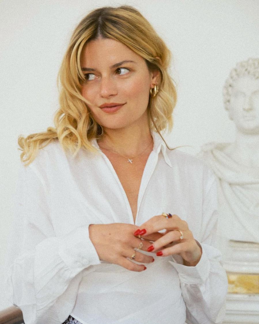 4 kiểu tóc xoăn của gái Pháp chỉ cần copy sẽ có diện mạo sang chảnh, lãng mạn