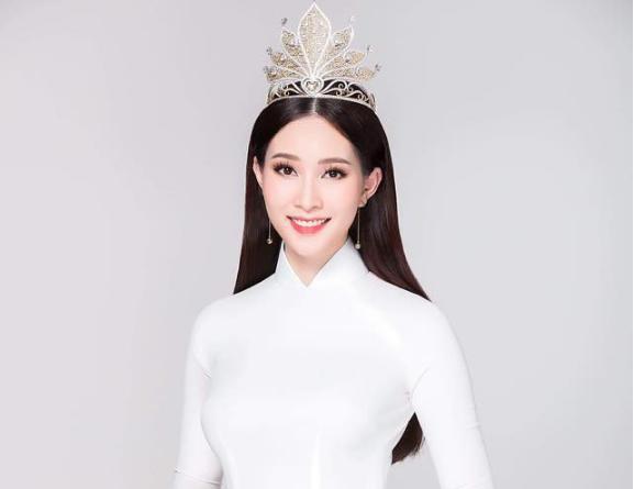 So kè nhan sắc và vóc dáng của hai nàng hậu trùng tên dễ gây nhầm lẫn nhất của giới sắc đẹp Việt