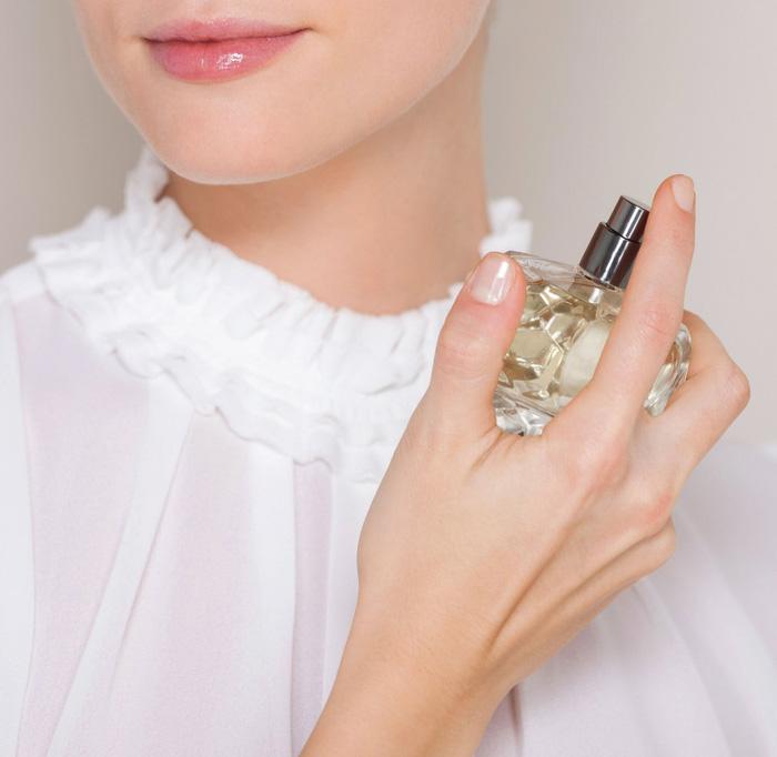 Gợi ý những vị trí xịt nước hoa giúp cơ thể tỏa mùi hương hoàn hảo nhất